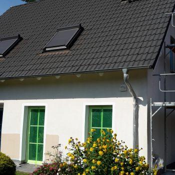 Vorher: Renovierung der Außerfassade in Farbe beige