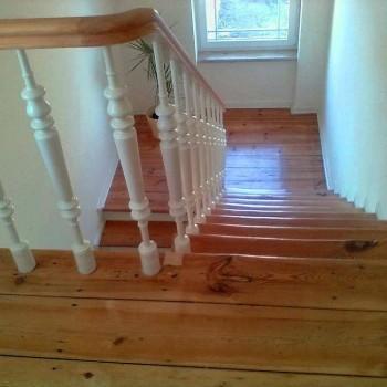 Altes Treppenhaus im neuen Glanz